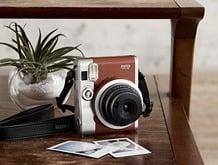 may-anh-chup-lay-ngay-Fujifilm-Instax-Mini-90-4
